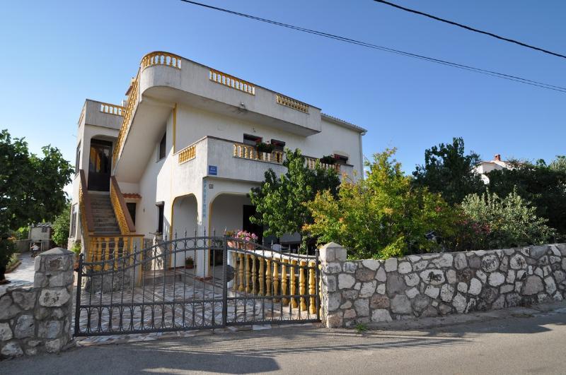 house - 5388  A1(2+1) - Vrbnik - Vrbnik - rentals