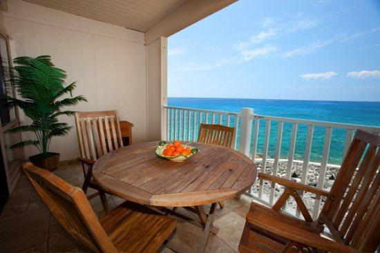 Beautiful Lanai and View. It's like being on a Cruise Ship. - Sea Village 4207 Gorgeous 2B/2B oceanfront, renovated condo. FREE mid-size car! - Kailua-Kona - rentals
