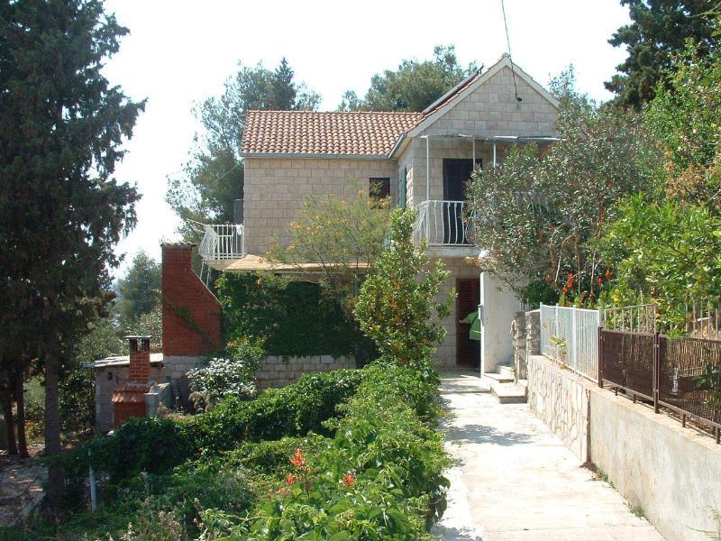 house - 01901MILN A2 gornji (2+2) - Milna (Brac) - Milna (Brac) - rentals
