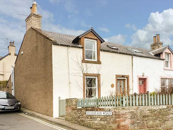 1 BLINKBONNY COTTAGES, woodburner, pet-friendly, WiFi, patio, in St Boswells, Ref 922790 - Image 1 - Newtown St Boswells - rentals