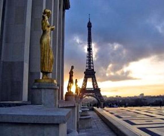 EIFFEL TOWER 4 MN FROM APARTMENT - GREAT 2-BDRM 2-BA PENTHOUSE TERRACE NEAR EIFFEL T - Paris - rentals