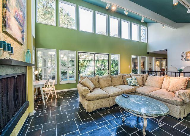 Living Area - - Water Oak Drive 10, 3 Bedrooms, Private Pool, Lanai, Golf View, Sleeps 8 - Hilton Head - rentals