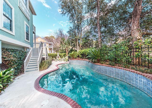 Cool off in your own pool - Bradley Beach 44, 6 Bedrooms, Private Pool, Sleeps 13 - Hilton Head - rentals
