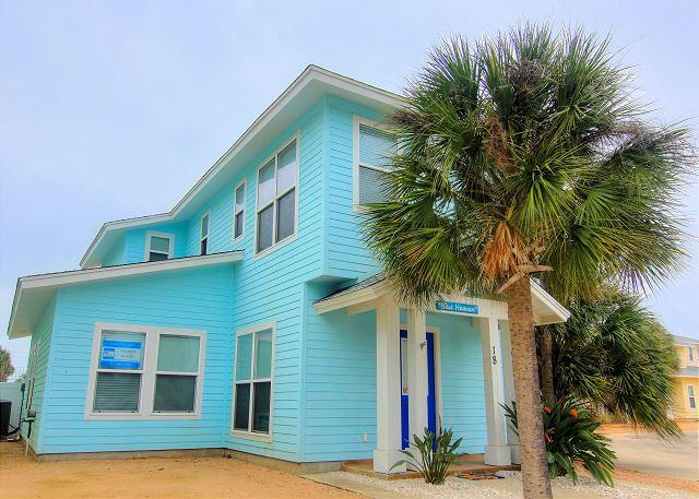 Blue Heaven 18RP. Fabulous community pool! Located in town. - Image 1 - Port Aransas - rentals
