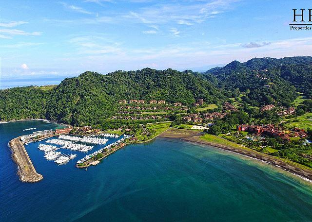 View of Herradura Bay and Los Sueños Marina. - Your Dream Vacation Luxury Condo Awaits! Overlooking Greens at Los Sueños! - Herradura - rentals