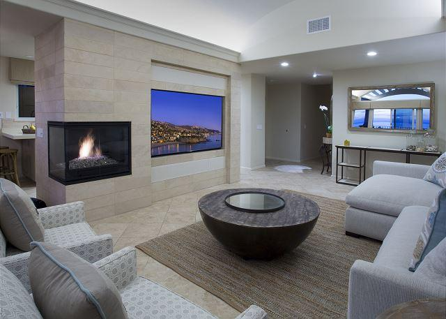 Villa Laguna Fireplace and Giant Flatscreen TV - 3 bdrm, oceanfront property, luxury and comfort in the village area. - Laguna Beach - rentals