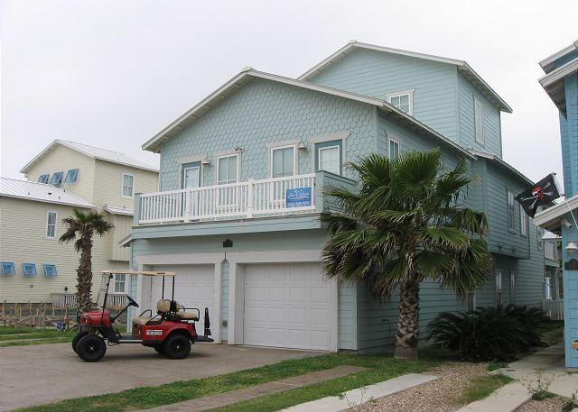 Welcome to Big Kahuna - The Big Kahuna: PRIVATE Pool, Free Golf Cart, Boardwalk to the Beach - Port Aransas - rentals