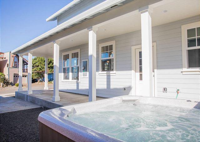 Brand New Luxury Home With ExpansiveOcean Views and Hot Tub! - Image 1 - Lincoln City - rentals