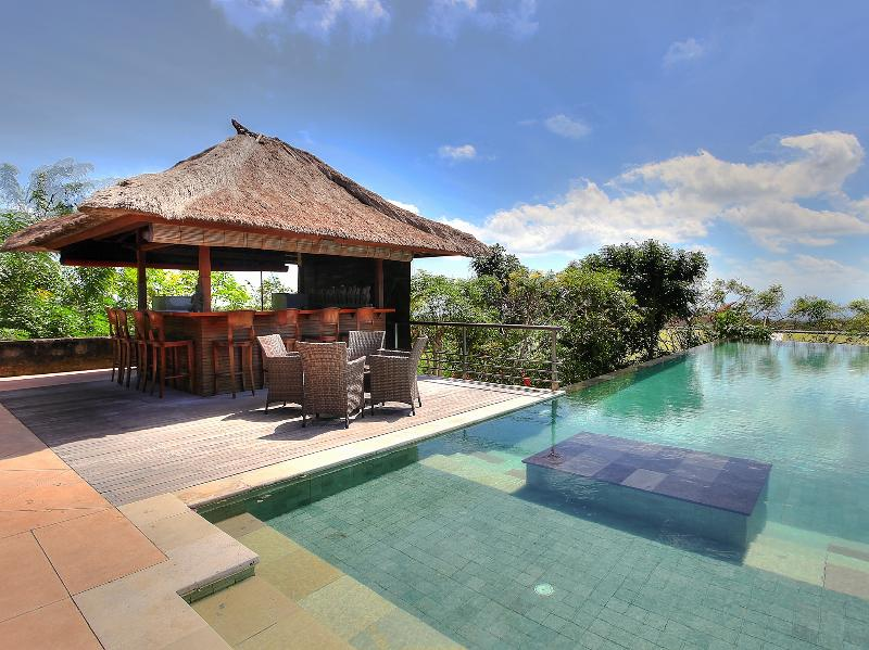 Indah Manis - Pool and bar - Indah Manis - an elite haven - Bukit - rentals