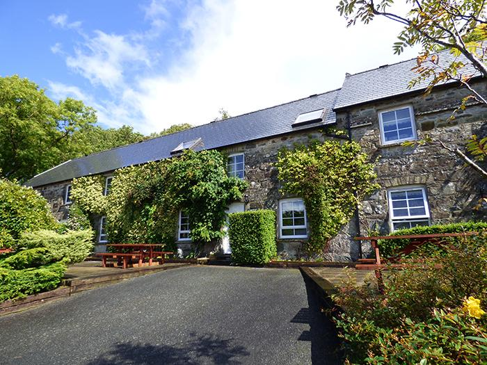 Carningli, Gellifawr Cottages - Image 1 - Fishguard - rentals