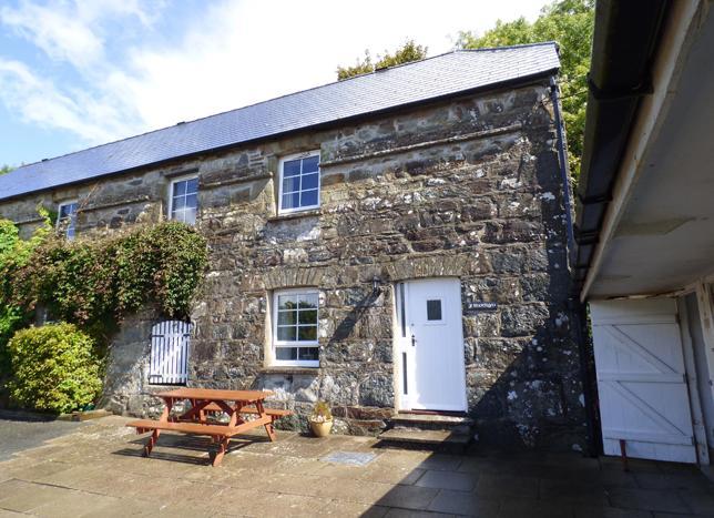 Y Bwthyn, Gellifawr Cottages - Image 1 - Fishguard - rentals