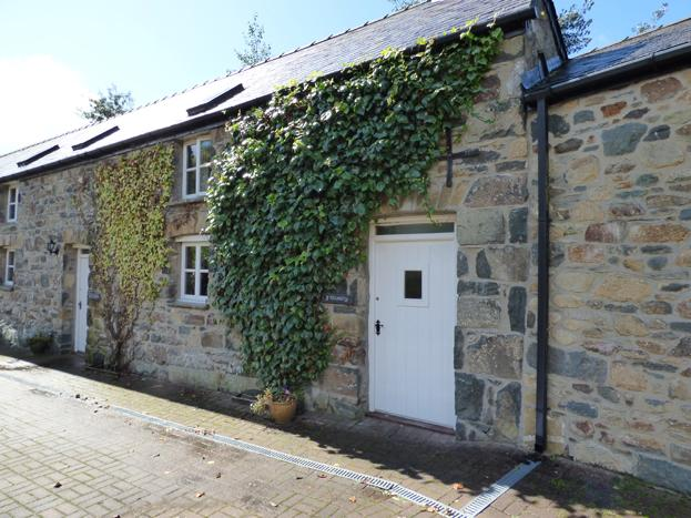 Y Stordy, Gellifawr Cottages - Image 1 - Fishguard - rentals