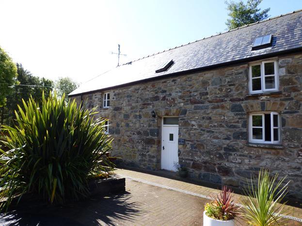 Celiog y Gwynt, Gellifawr Cottages - Image 1 - Fishguard - rentals