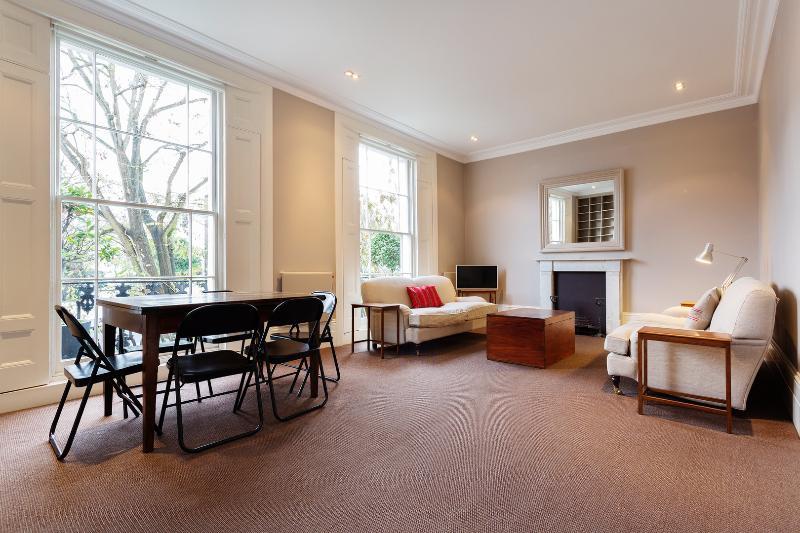 Sleek 2 bed, 2 bath apartment on Pembridge Villas, Notting Hill - Image 1 - London - rentals