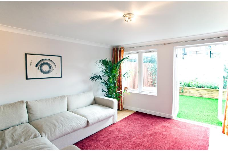 2 Bedroom Apartment, Islington - Bridel Mews - Image 1 - London - rentals