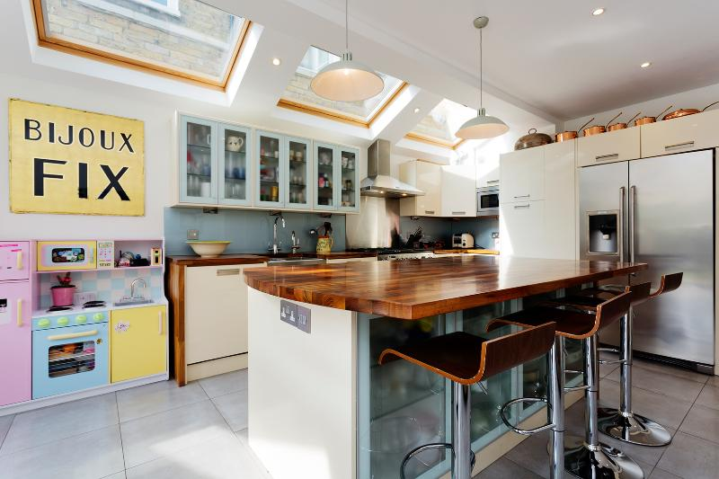 4 bed home on Lysia Street, Fulham - Image 1 - London - rentals