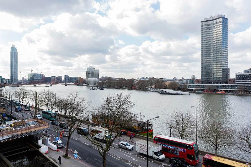 This modern two-bedroom apartment sits right on the bank of the River Thames in Lambeth. - Image 1 - London - rentals