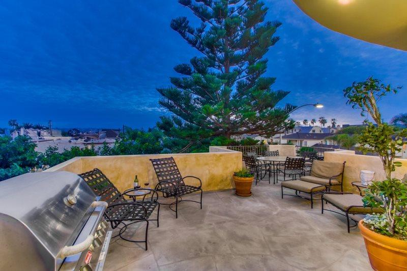 Enjoy the outdoors on this large patio. - South Mission Beach Mediterranean Jewel with Ocean and Bay View - Mission Beach - rentals