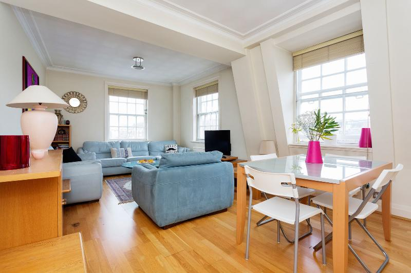 A convenient two-bedroom apartment, moments from Harrods in Knightsbridge. - Image 1 - London - rentals