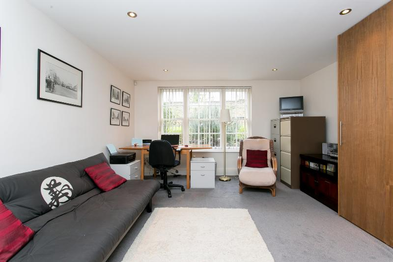 Modern 2 bed apartment on Compton Road, Islington - Image 1 - London - rentals
