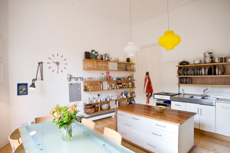 Three-bed Georgian townhouse in Central London. - Image 1 - London - rentals