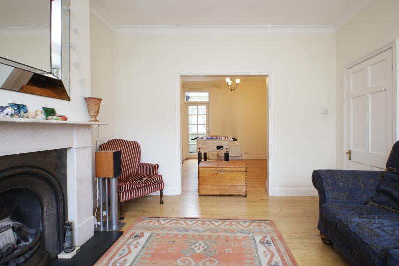 Fantastic family home, Wormholt Road, West London - Image 1 - London - rentals