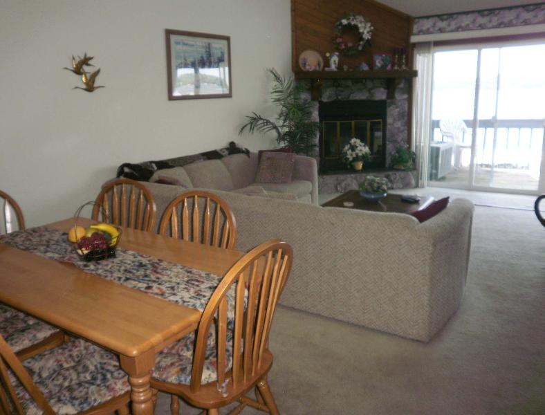 Beautiful  Lake view - 2 br 2 ba Woodcrest lakefront condo BEAUTIFUL VIEW - Lake Ozark - rentals
