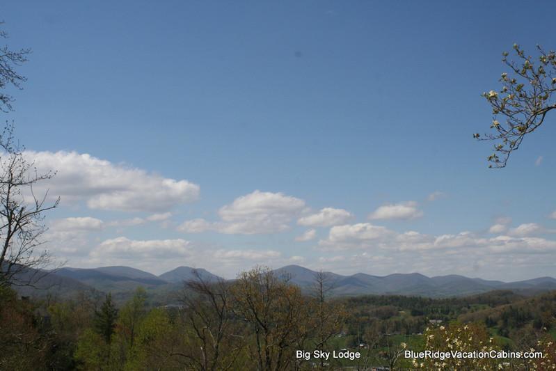 Big Sky Lodge - Custom Cabin Near ASU*View*HotTub*Foosball*AC - Boone - rentals