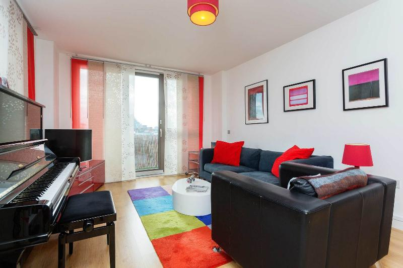 A brand new one-bedroom flat by the DLR station in Shadwell, East London. - Image 1 - London - rentals
