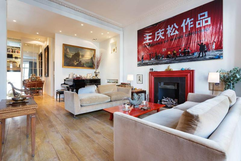 A fantastic and unusual five-bedroom house in South Kensington. - Image 1 - London - rentals