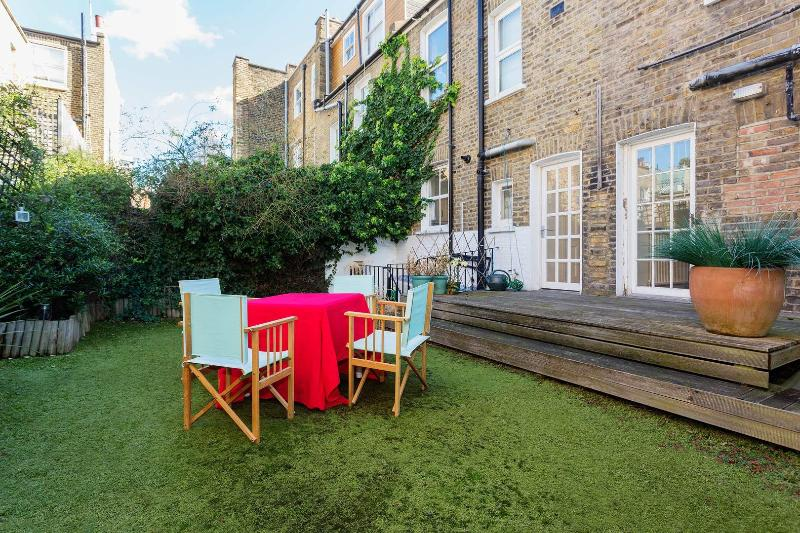 6 bedroom house near River Thames on Burnaby Street, Chelsea - Image 1 - London - rentals