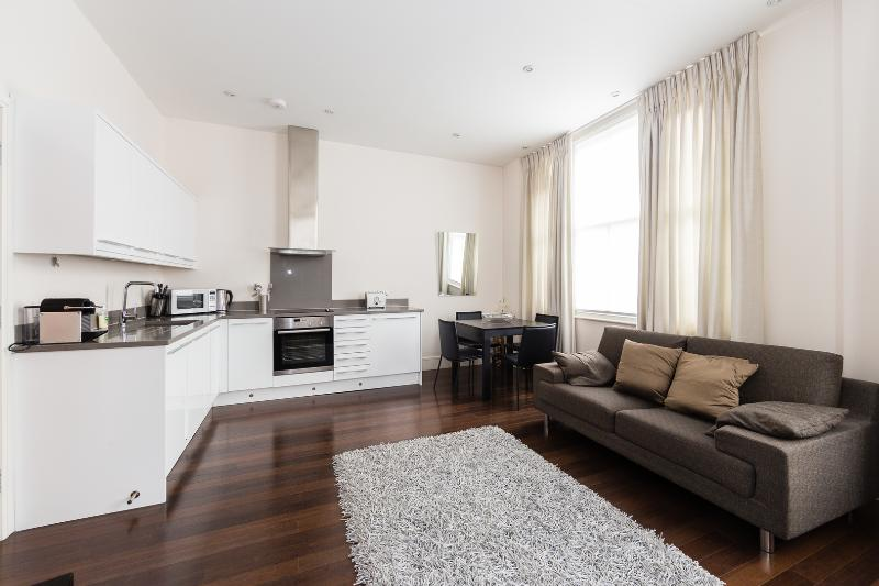 A clean and smart one-bedroom flat near Portobello Road in Notting Hill. - Image 1 - London - rentals