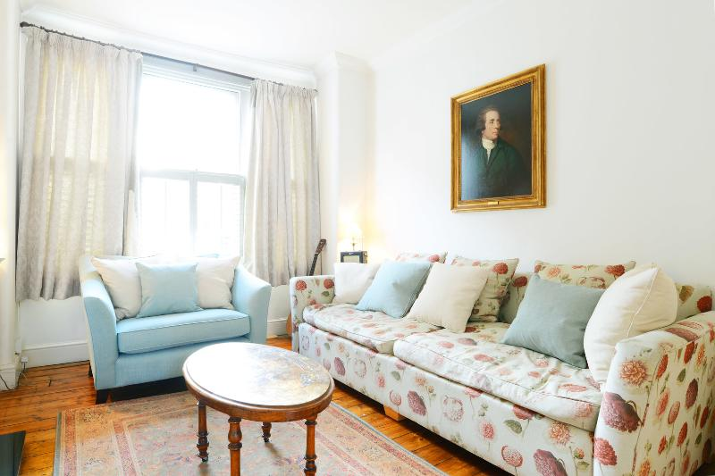Bright 2 Bedroom on rayners Road in London - Image 1 - London - rentals