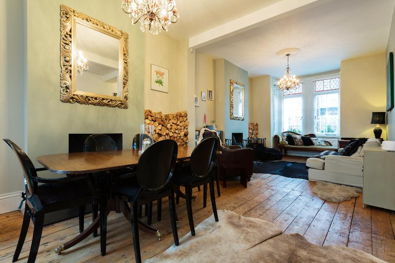 Modern family home with garden, Tubbs Rd, Queens Park - Image 1 - London - rentals