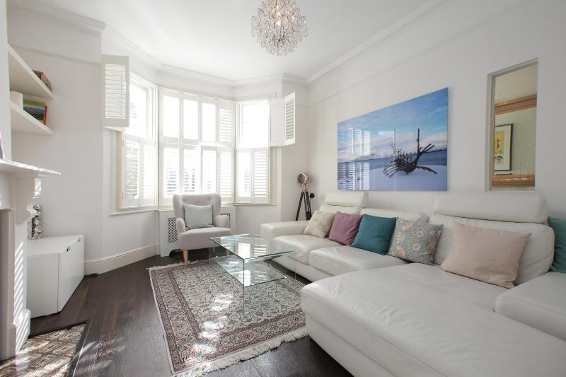 4 bed family home on Burnfoot Avenue, Fulham - Image 1 - London - rentals