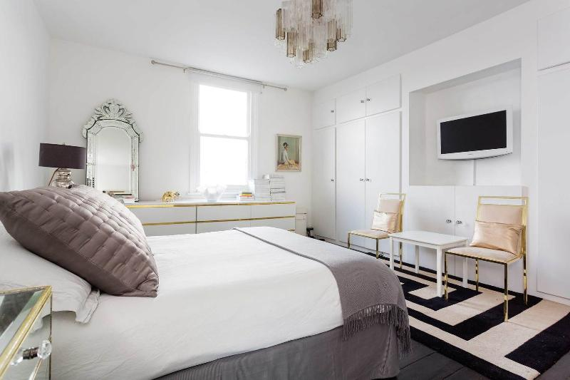 A gorgeous two-bedroom home in Stoke Newington. - Image 1 - London - rentals