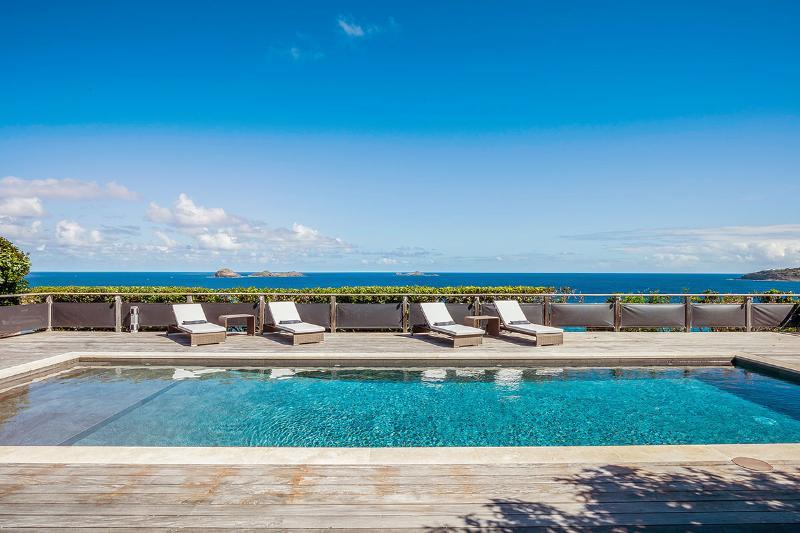 Claridge, Sleeps 4 - Image 1 - Anse Des Cayes - rentals