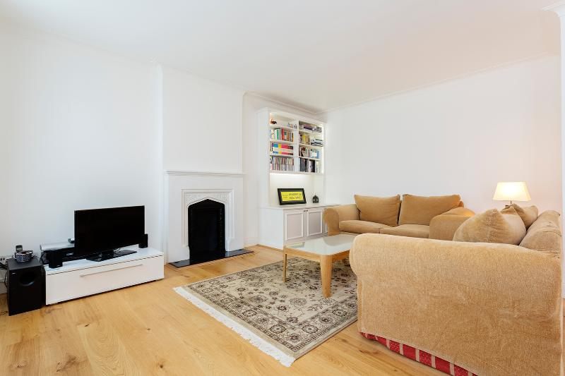 2 bedroom flat in Kensington, Edwardes Square - Image 1 - London - rentals