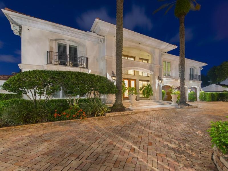 Front view - 7  bedroom Del Lago Estate ! - Fort Lauderdale - rentals