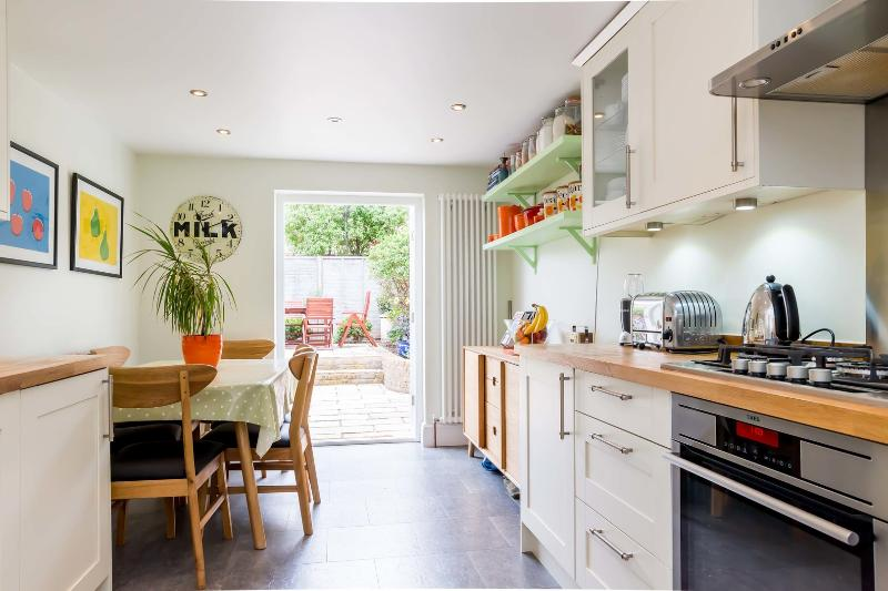 Four-bed family home near River Thames. - Image 1 - London - rentals