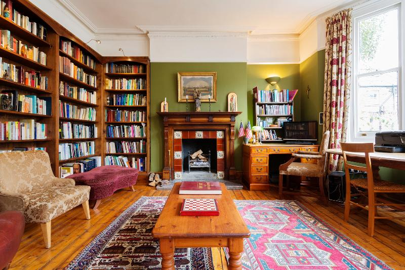 Large 7 bedroom family home in Hampstead, Shirlock Road - Image 1 - London - rentals
