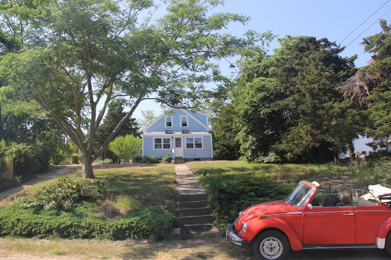 View of house from street - Antique Charmer, Minutes from the Best Beaches - North Truro - rentals