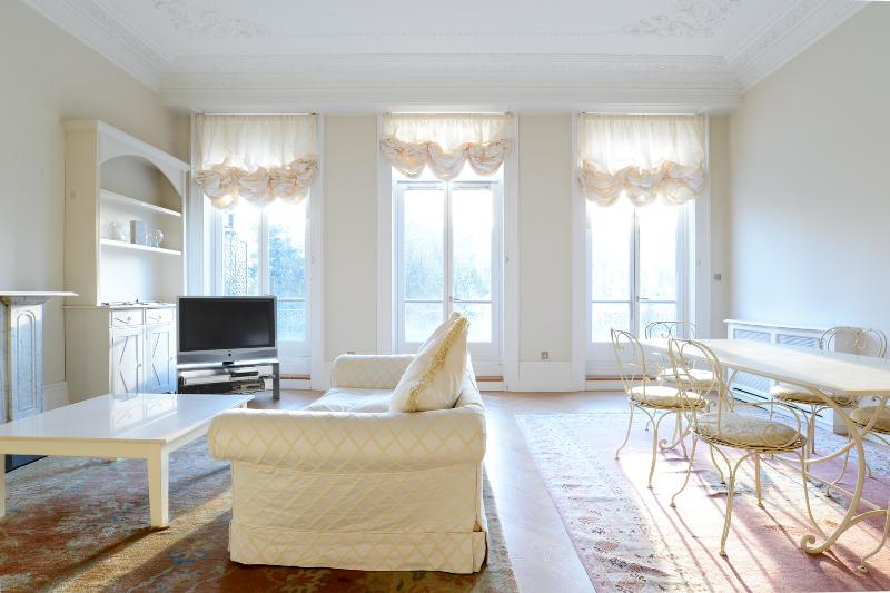 Veeve - The Grand Balcony - Image 1 - London - rentals