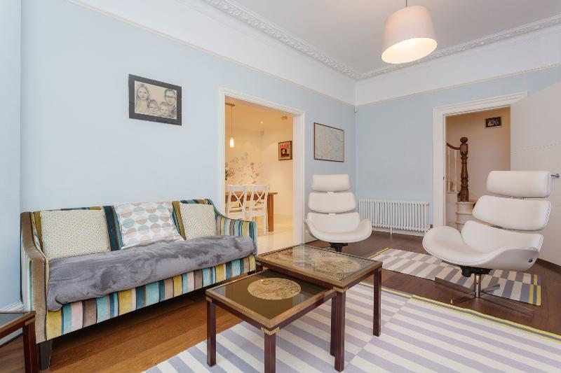 Family Flourish - Image 1 - London - rentals