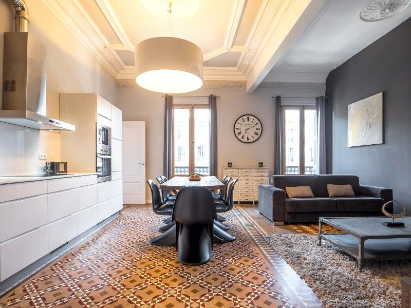 Barcelona Apartment at Plaza Catalunya near Las Ramblas  - Isabel - Image 1 - Barcelona - rentals