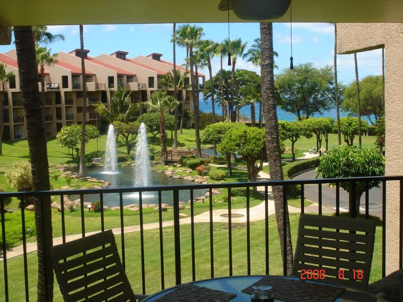 Fountain and ocean view from large lanai. - Kamaole Sands 1-303 * Fabulous remodel/Ocean view! - Kihei - rentals