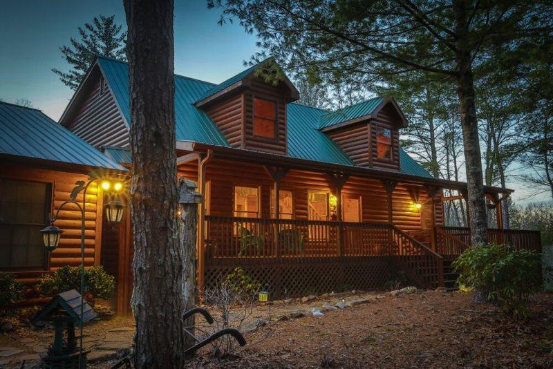Gorgeous Blue Ridge cabin with 5 bedrooms, and it`s dog friendly - Private Pet Friendly Rental Cabin in Blue Ridge Georgia - Blue Ridge - rentals