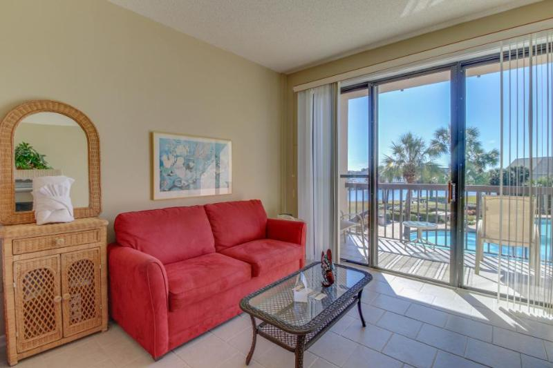 Well-appointed condo w/shared pool and private boat slip! - Image 1 - Fort Walton Beach - rentals