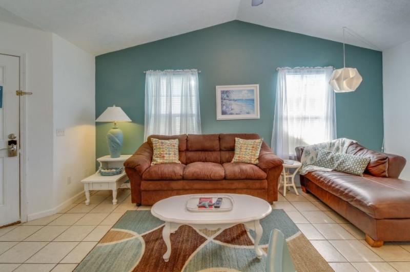 Bright and cozy cottage two blocks from the beach - covered patio! - Image 1 - Panama City Beach - rentals