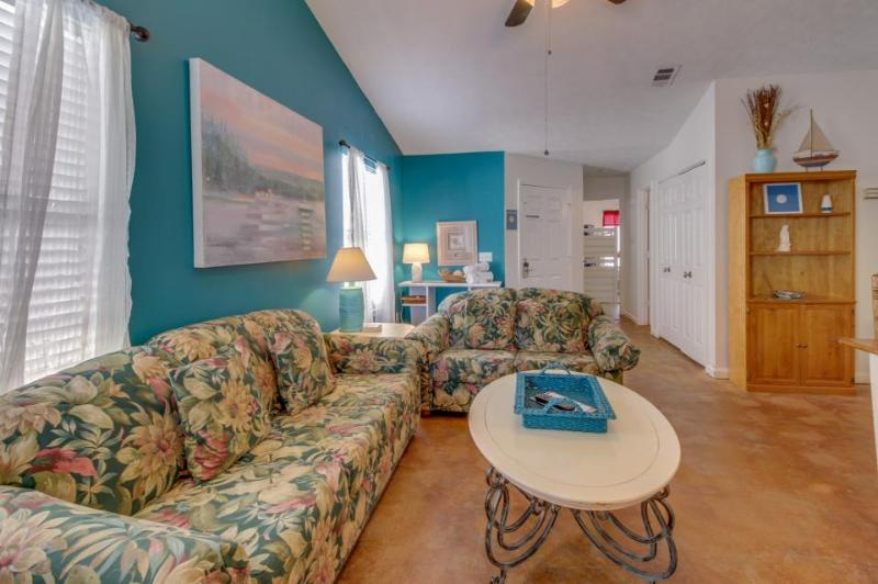 Cozy duplex for six located just 200 yards from the beach - Image 1 - Panama City Beach - rentals